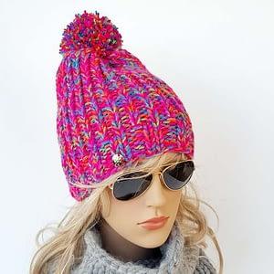 różowa czapka