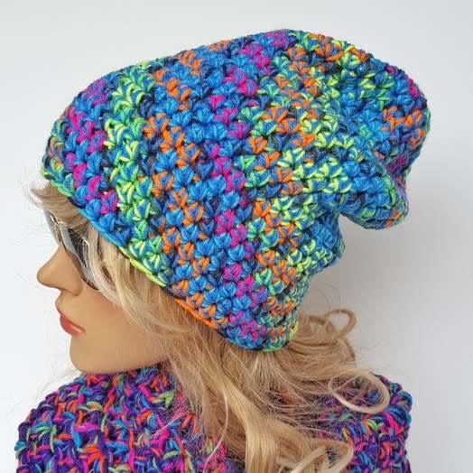 Niebiesko-neonowa czapka beanie