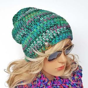 zielona czapka szydełkowa