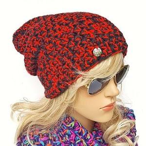 czerwono-czarna czapka beanie
