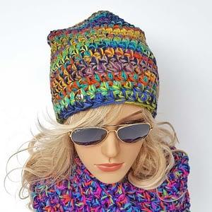kolorowa czapka szydełkowa