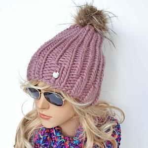 różowa gruba czapka wełniana